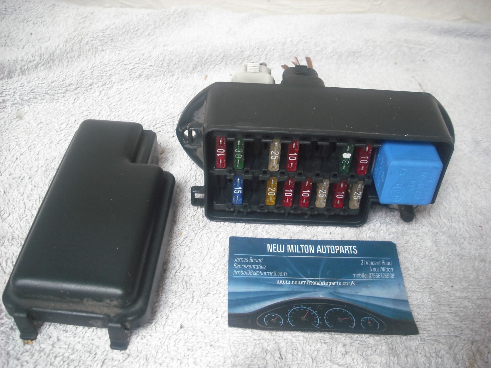 A Genuine Jaguar Xj6 X300 Under Bonnet 18 Way Fuse Box Lna