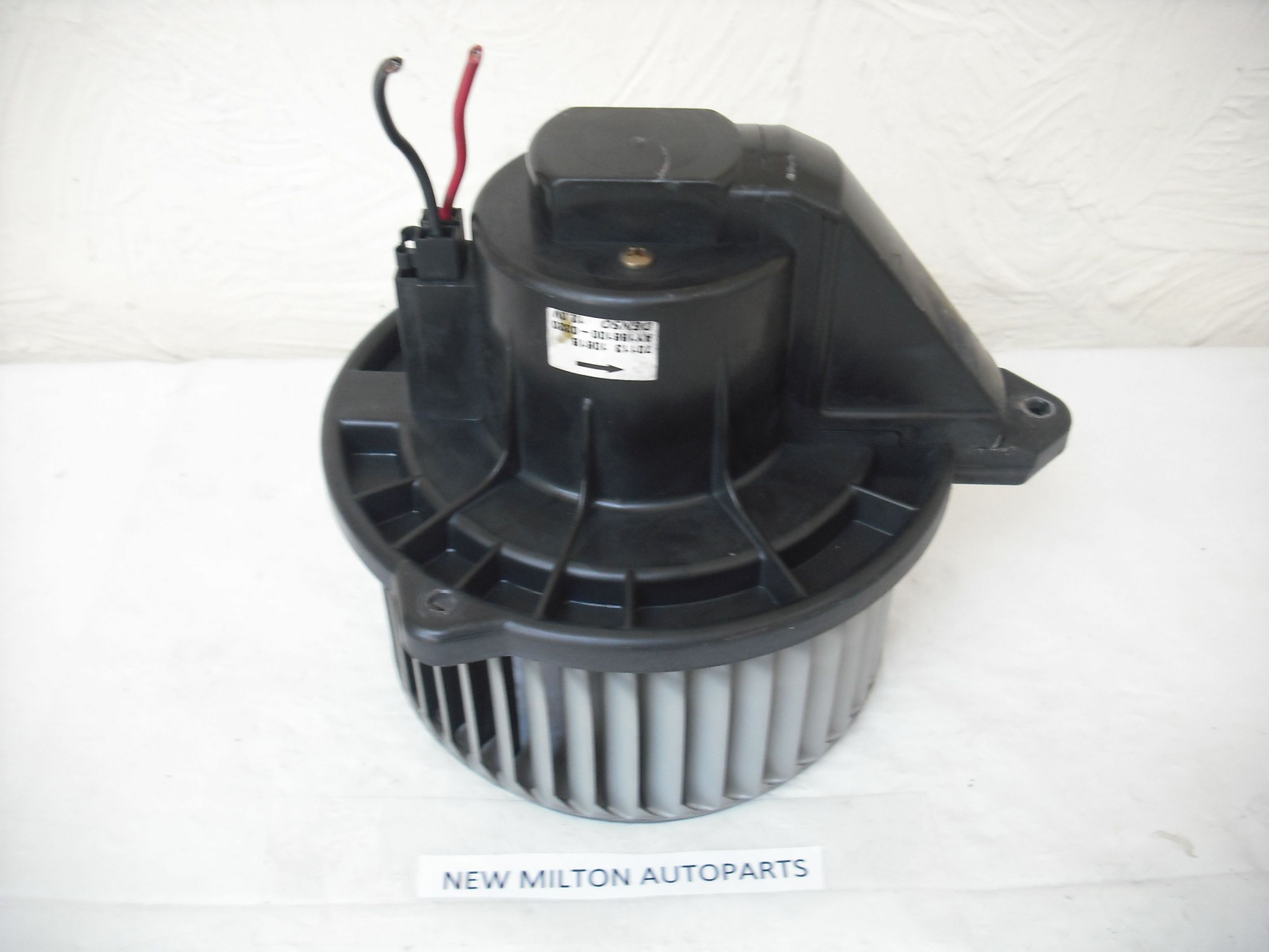 a genuine jeep grand cherokee wj heater fan blower motor 70113 1061b ay166100 0320. Black Bedroom Furniture Sets. Home Design Ideas