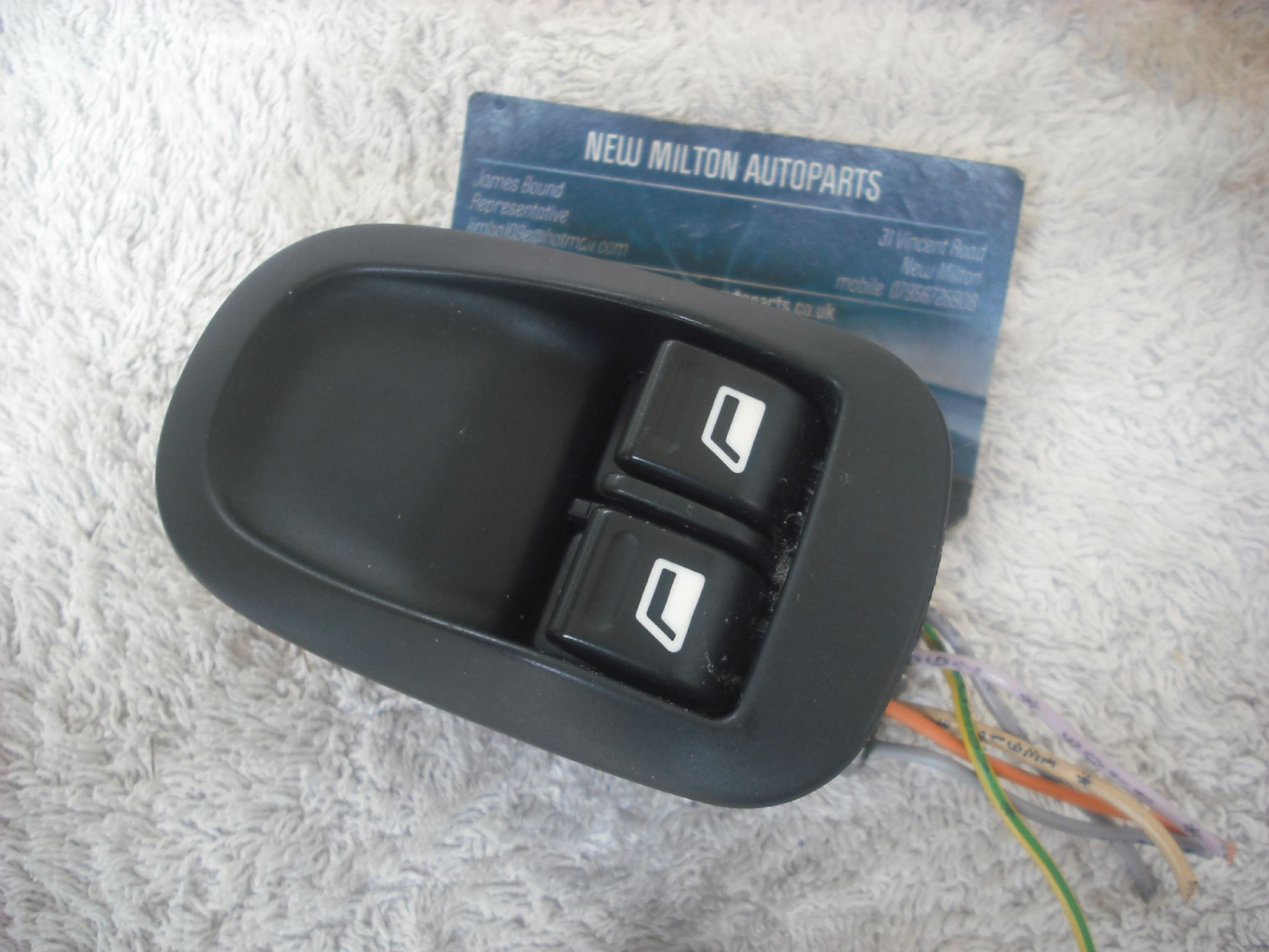 A GENUINE PEUGEOT 206 FRONT DOOR ELECTRIC WINDOW SWITCH PACK WITH ...