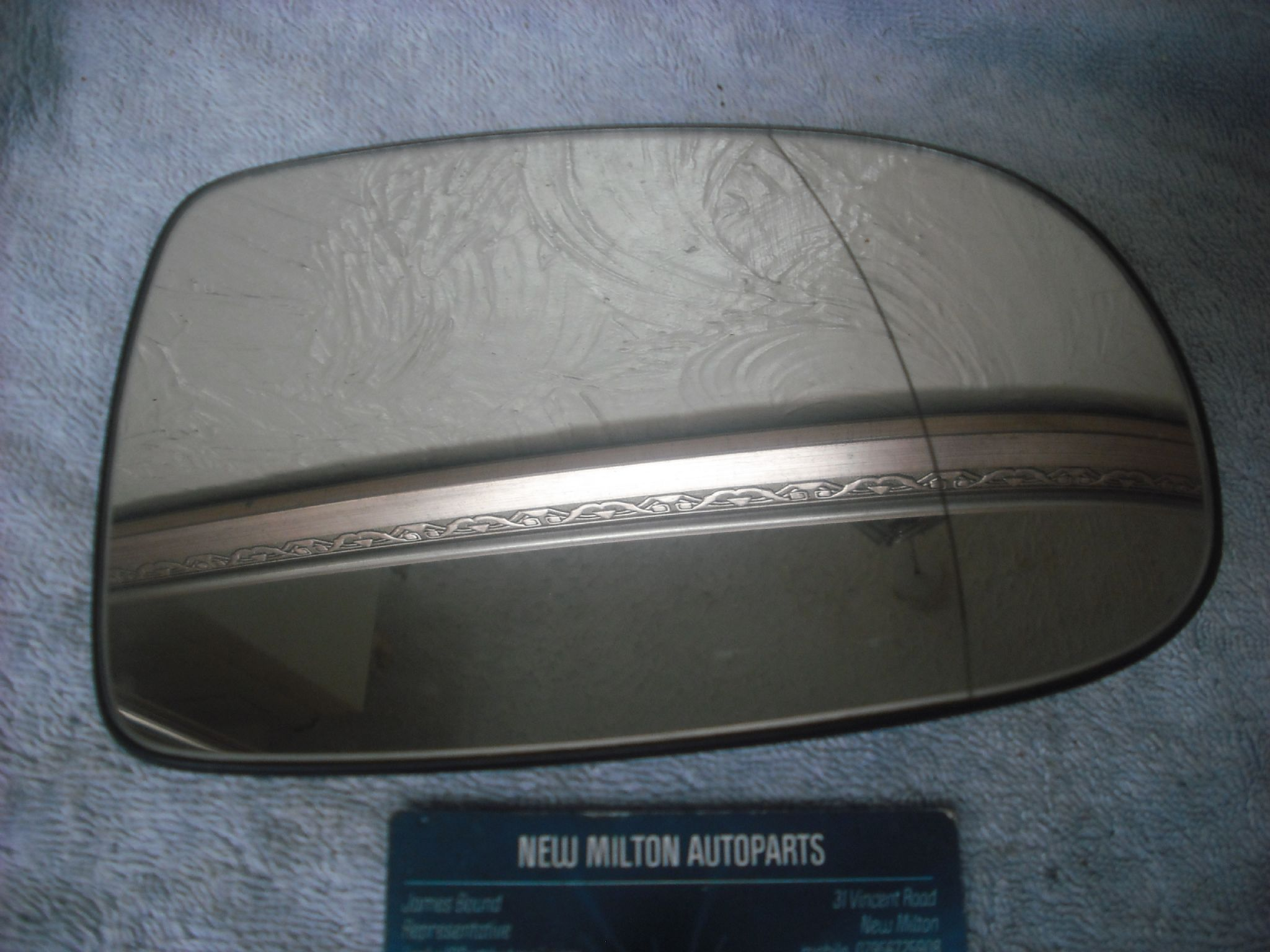 A VAUXHALL CORSA C 2000-2006 ELECTRIC HEATED DOOR MIRROR GLASS O/S RIGHT UK DRIVERS SIDE 065024 & A VAUXHALL CORSA C 2000-2006 ELECTRIC HEATED DOOR MIRROR GLASS O S ...