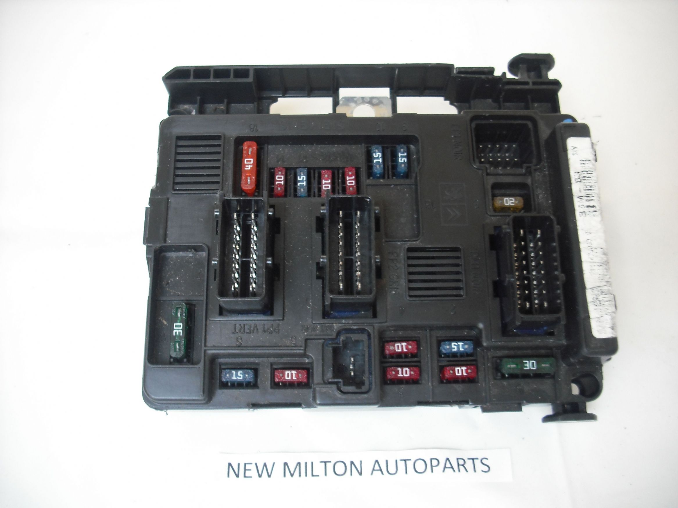 Citroen C5 2000 2004 Fuse Box Controller Subject To A Part Number 2006 A4 Numbers Match Bsm B3 9643498880 00