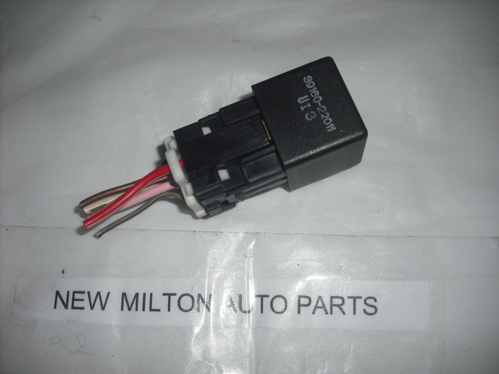 HYUNDAI COUPE TIBURON MATRIX FUEL PUMP RELAY 3916022011