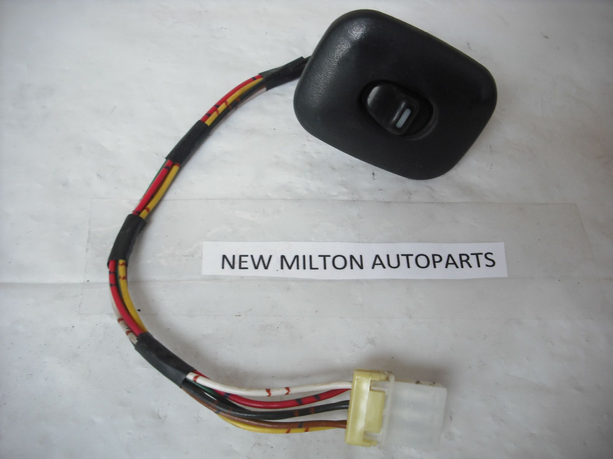 SORRY NOW SOLD TERRANO 2 FRONT PASSENGER DOOR ELECTRIC WINDOW SWITCH ...