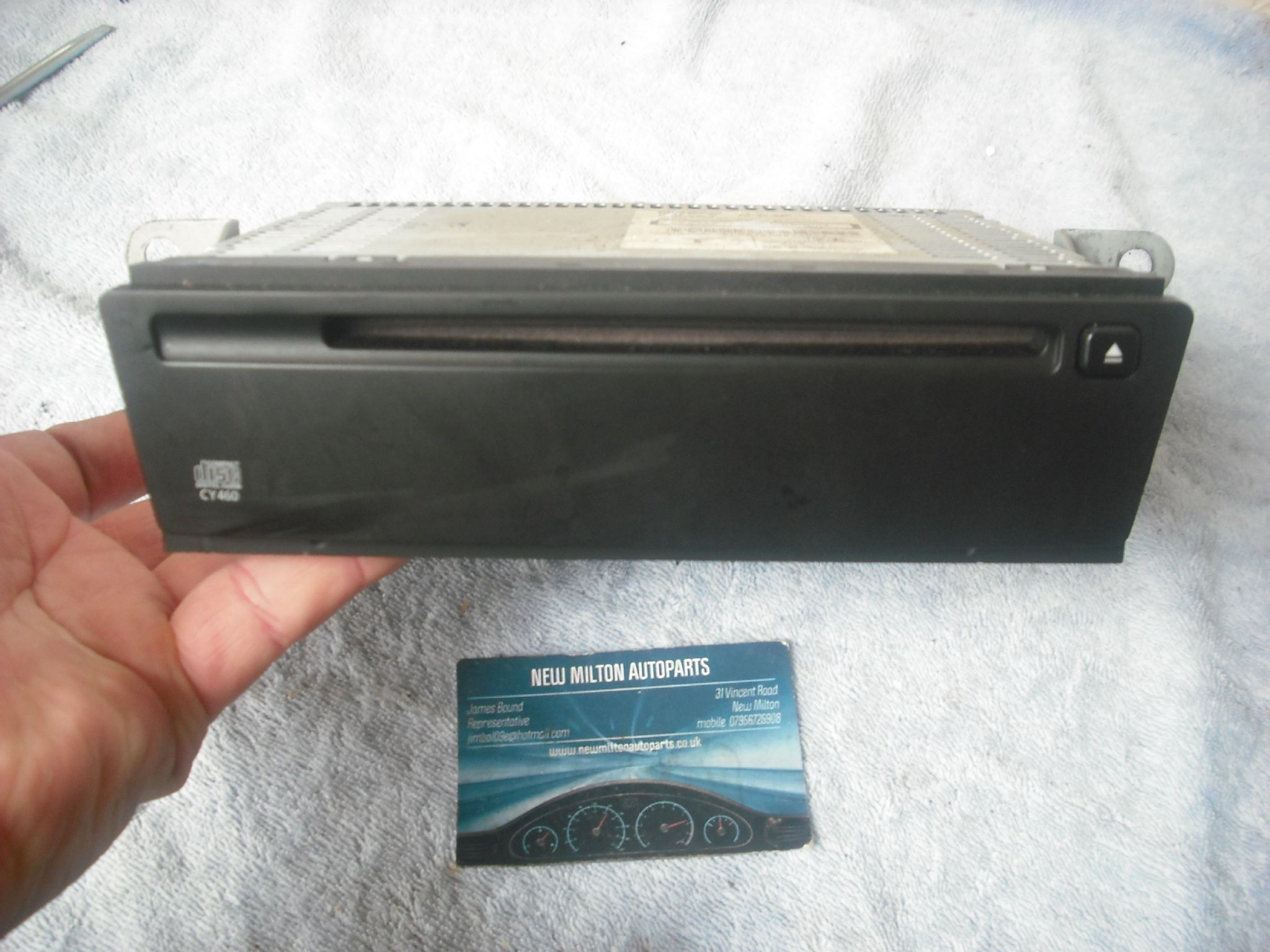 stock  genuine nissan almera tino cd player clarion cy