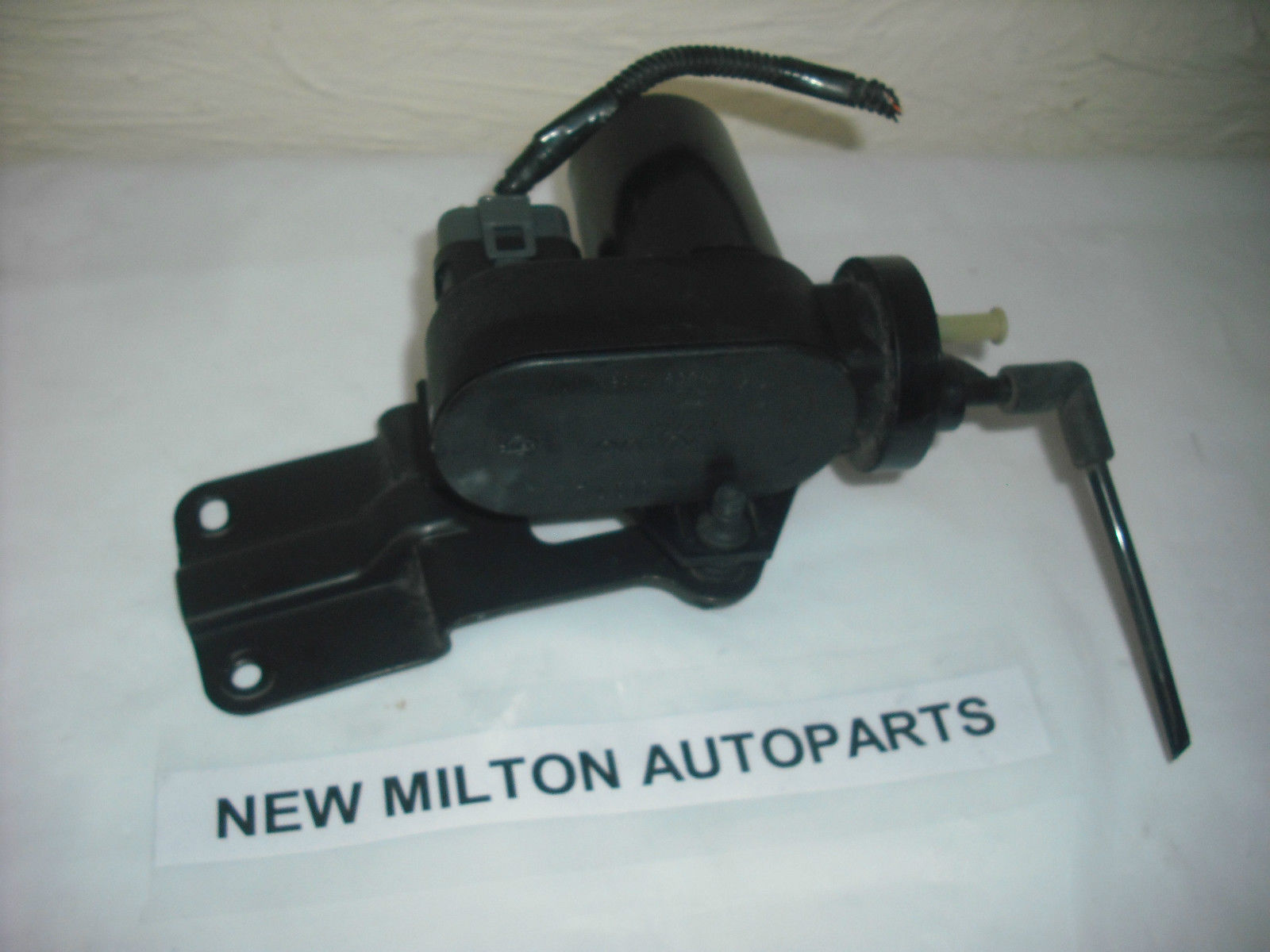 Volvo V40 S40 Cruise Control Vacuum Air Pump Numbered Part No 850 412773